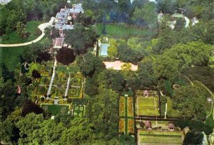 "Todd Aerial Mapping Service, ""Aerial View of Dumbarton Oaks, From East (1935)"""